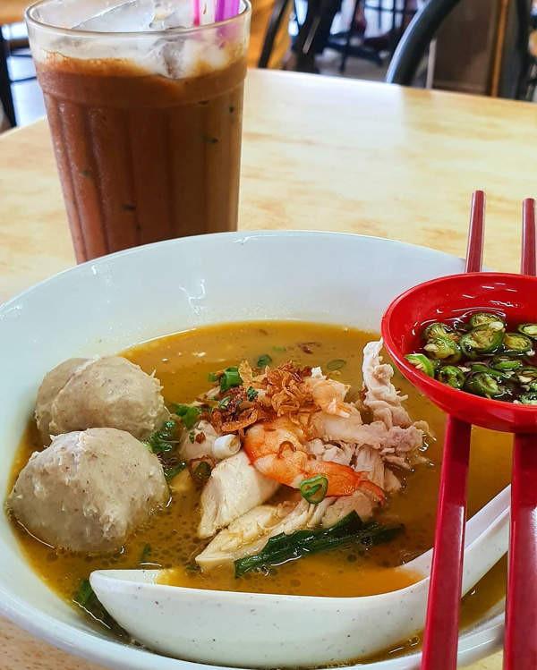 Gai Se Hor Fun With Meatball Add-ons From Restoran Moon De Moon