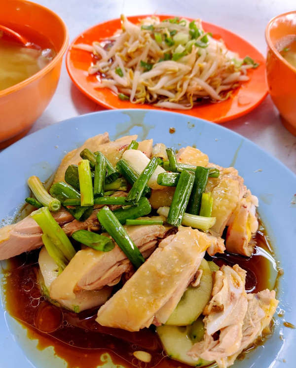 Ipoh Chicken Rice By Restoran Lou Wong Tauge Ayam KueTiau (老黄芽菜鸡沙河粉)