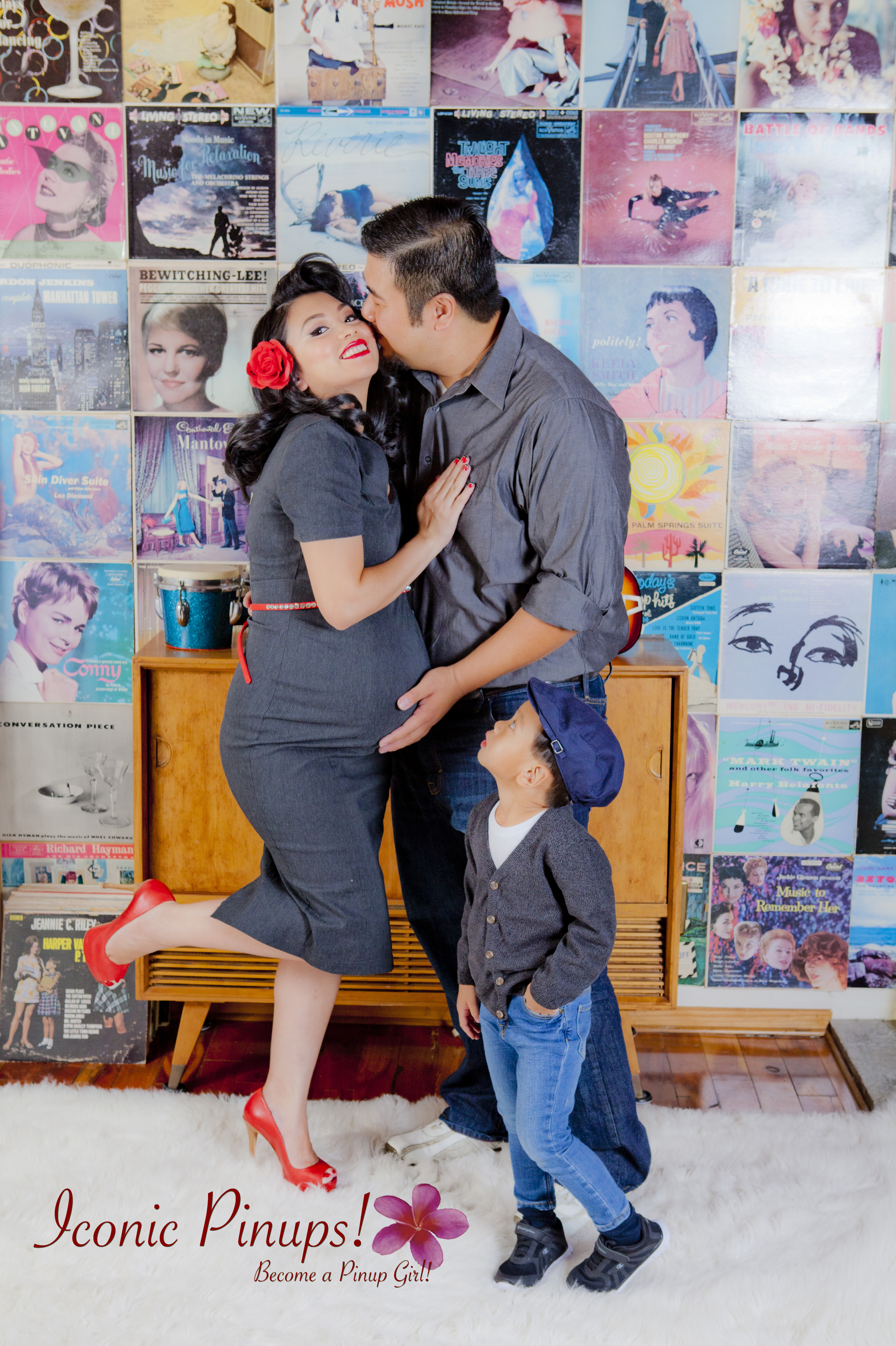 maternity-pinup-family