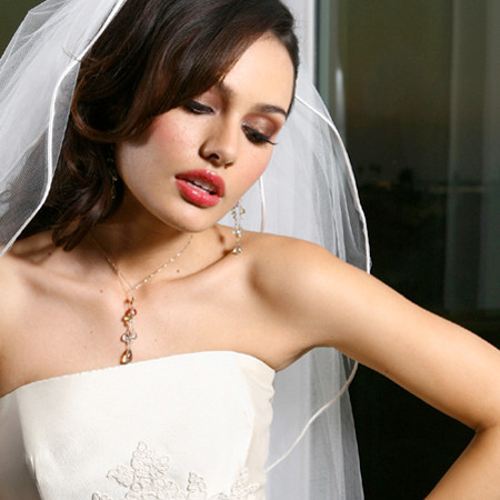 best wedding makeup artist  and hair stylist  in los angelest