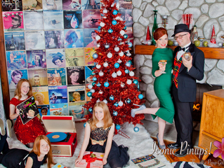 Vintage Family Holiday Photo Shoots in Los Angeles