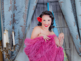 Los Angeles Burlesque photo sessions: Dita Von Teese inspires us for your $99 Photo Shoots at Iconic