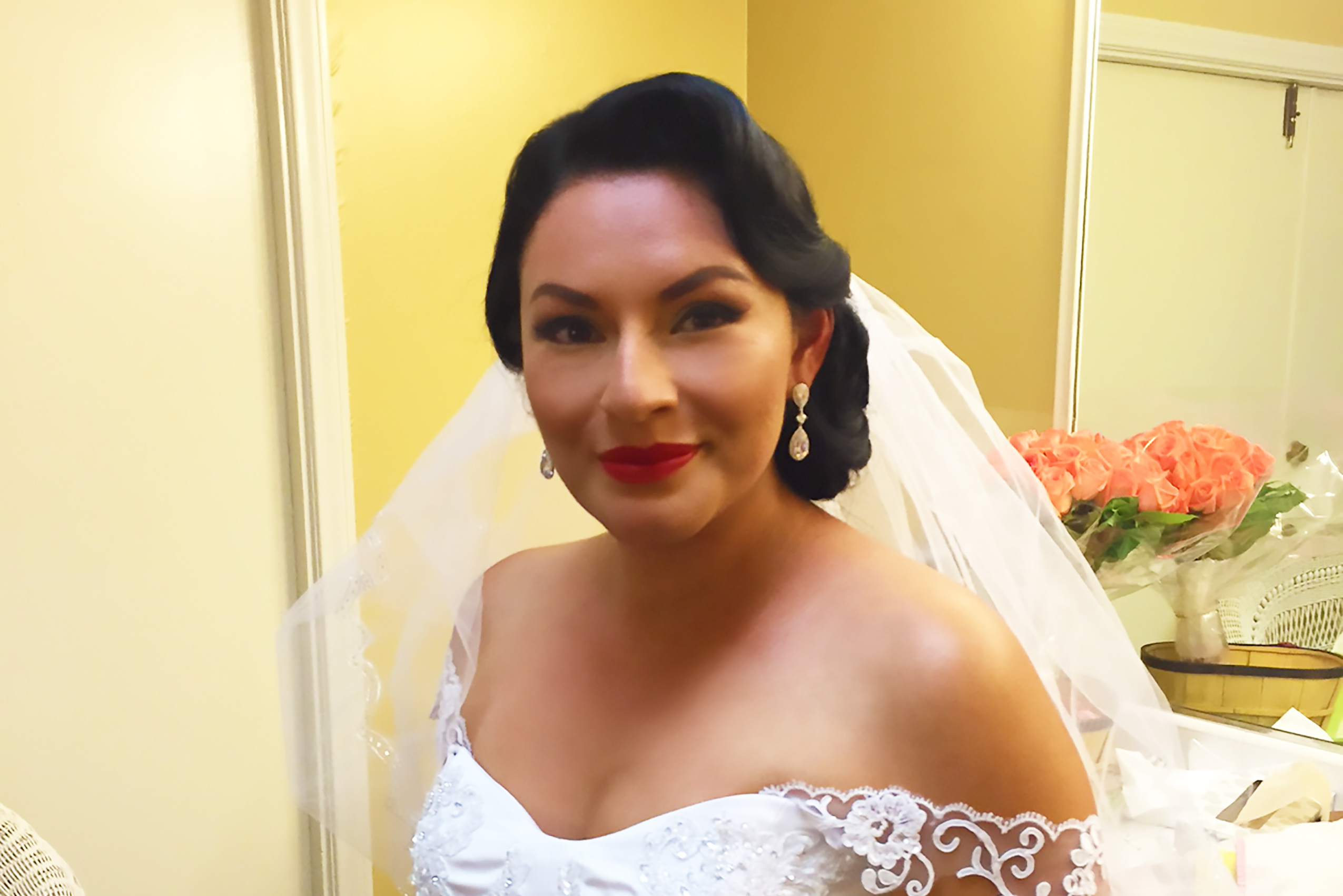 Gorgeous_vintage_bride.jpg