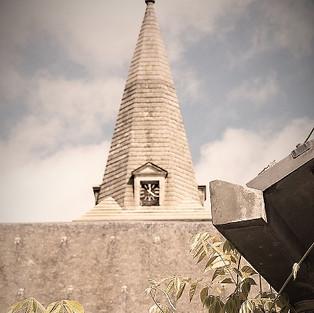 Une Belle vue sur le clocher de l'église de Brissac