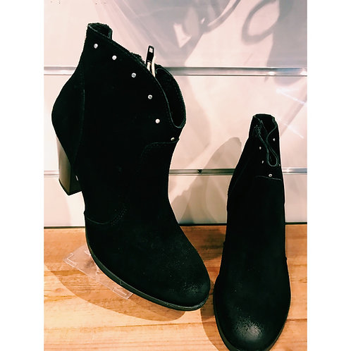Bottines cuir clouté