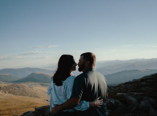 Luke & Kaitlyn | A Mount Evans Engagement