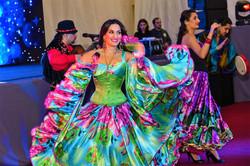 Цыганские песни и танцы на свадьбу .