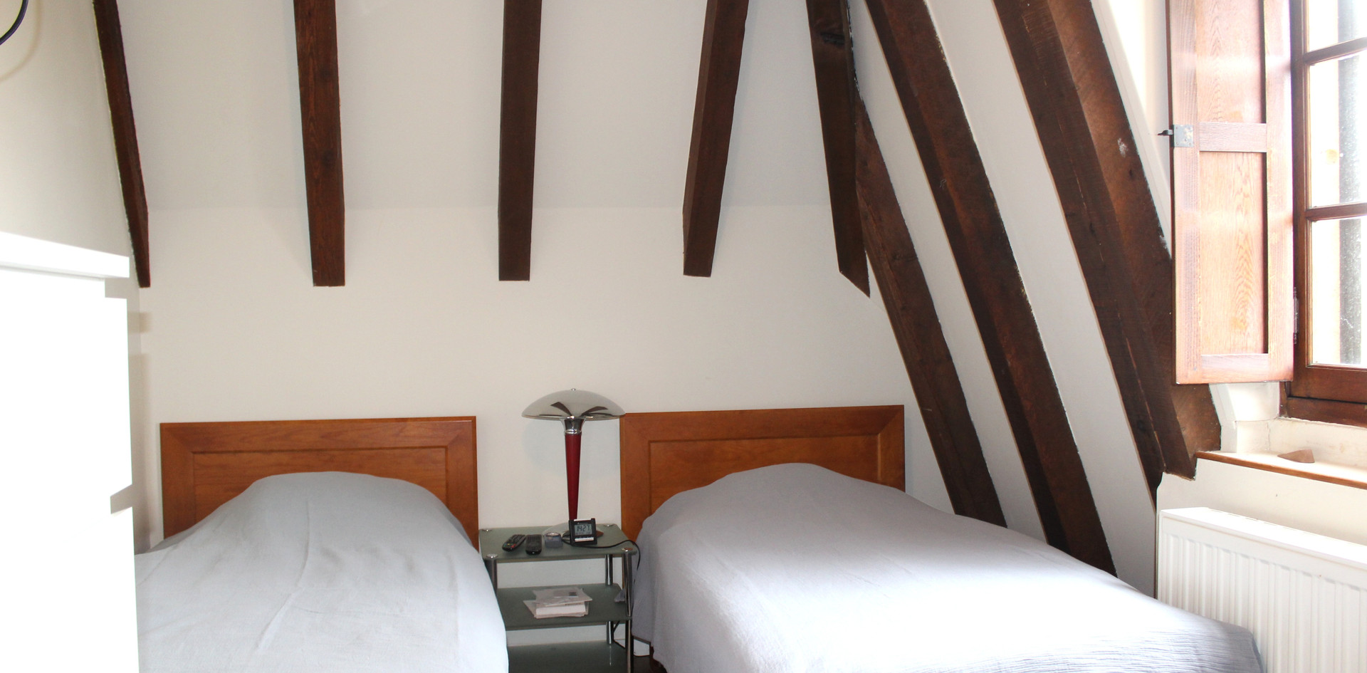 King size bed in master overlooking the Dordogne River