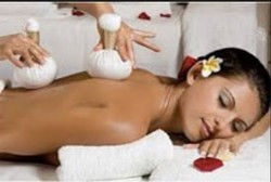 60 mins Thai Herbal Compress Massage