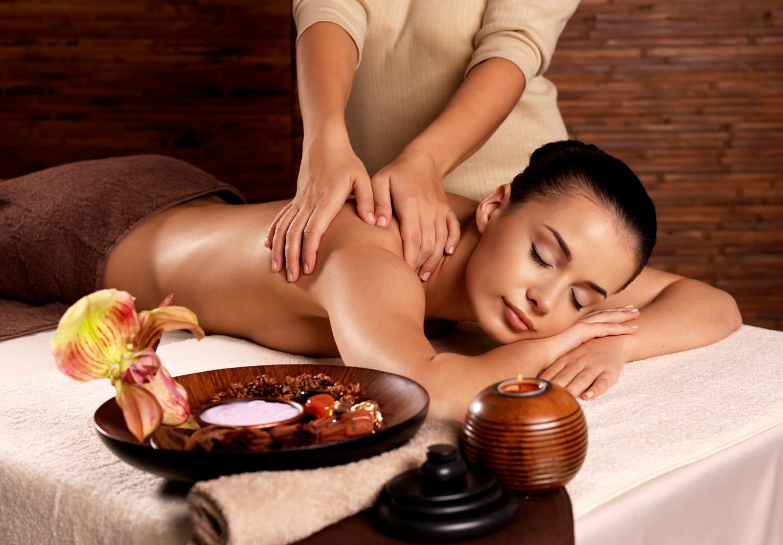 30 mins Back, Neck & Shoulder Massage