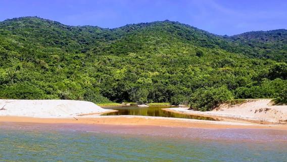 Praia da Lagoa.jpeg