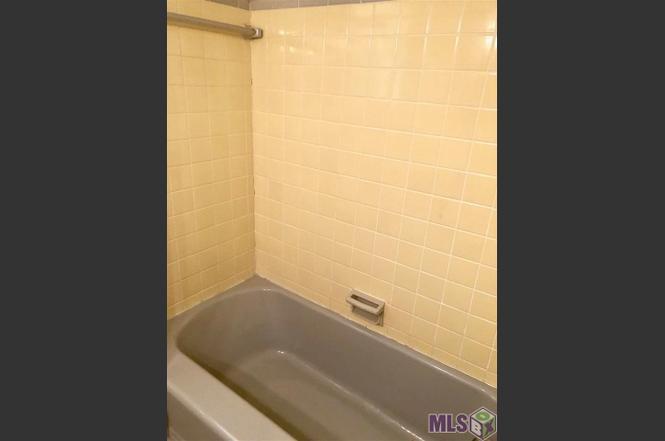 Guest Bathroom 2.jpg