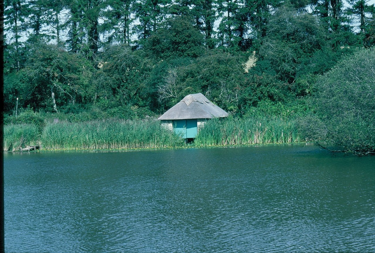 6 BOATHOUSE RETHATCHED 1991