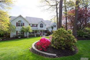 9 Crest Hollow Lane, Manorville