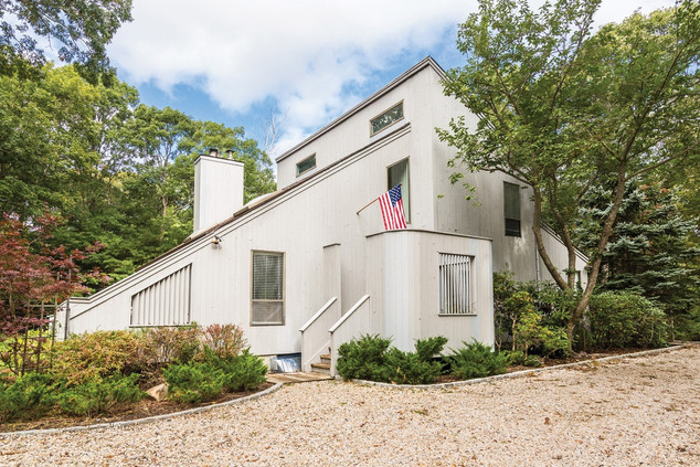 2 Patriots Lane, East Hampton