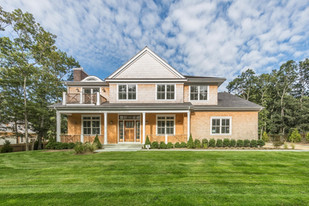 7 Woodcrest Drive, East Hampton