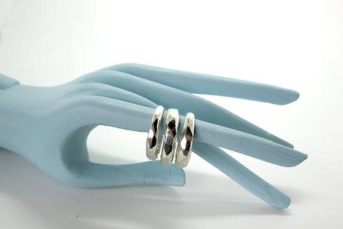 chiseled ring