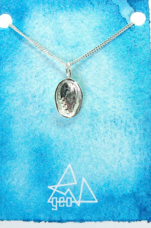 w plain card paua pendant