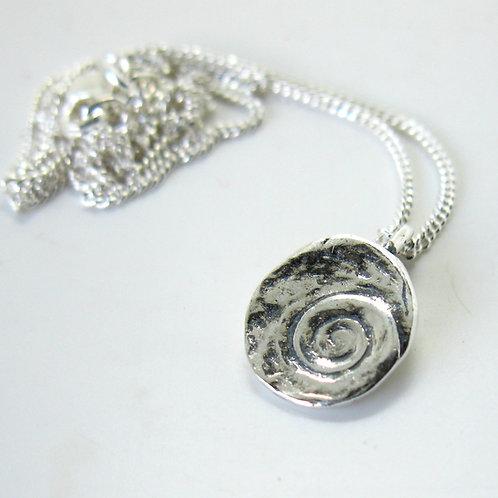 w/s  cat's eye pendant