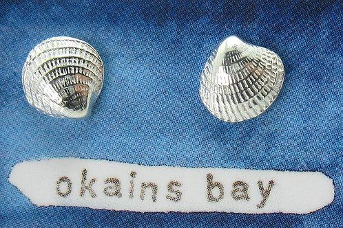 w Okains Bay studs
