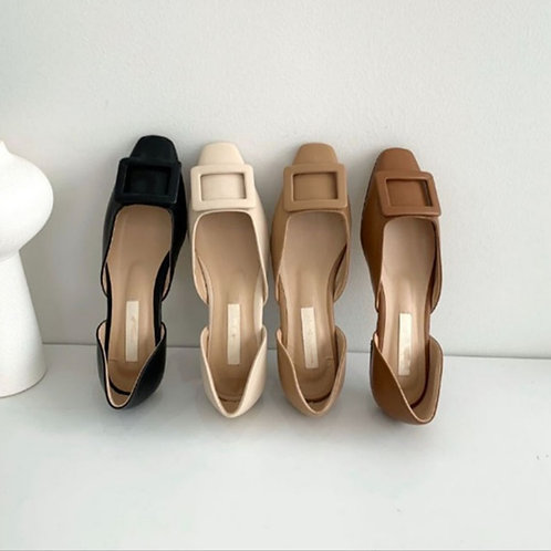 Roger Square Flat Shoes