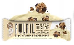Fehércsokoládés-sütemény ízesítésű fehérjeszelet vitaminokkal csokoládé bevonattal édesítőszerekkel
