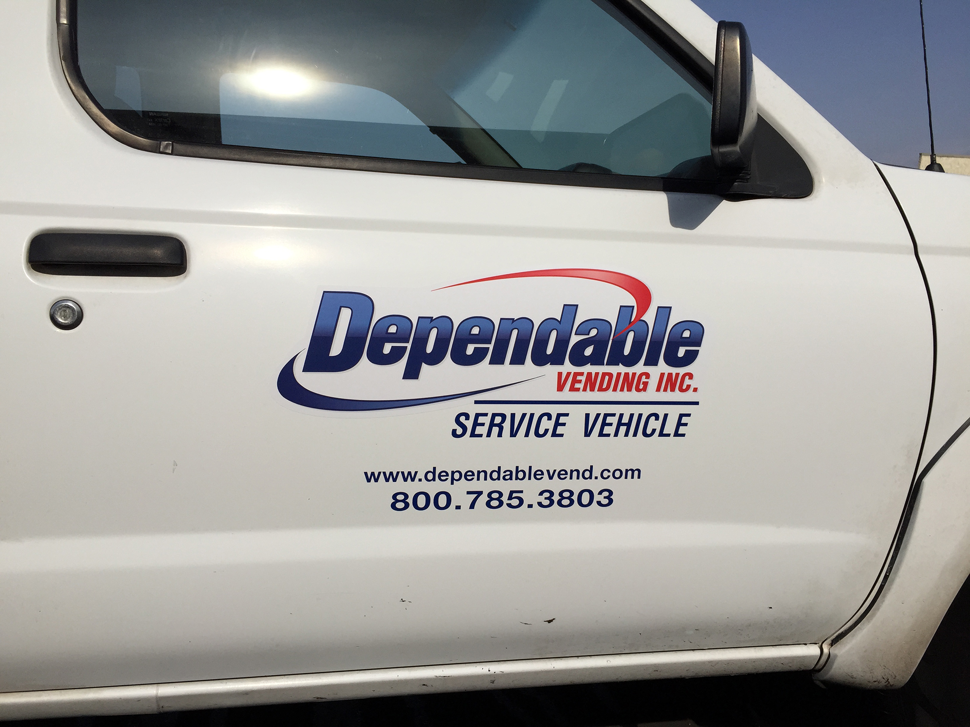 truck lettering dependable