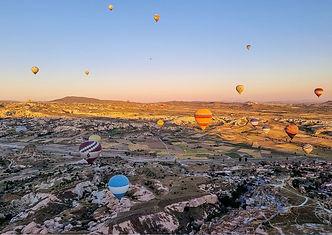 photo de la cappadoce durant un vol en montgolfière(1).jpg