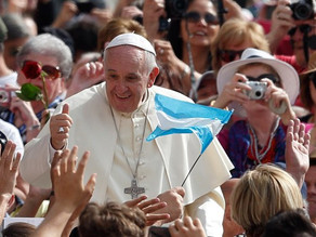 Pope: Marriage is brave promise to love like Jesus, not showy ceremony