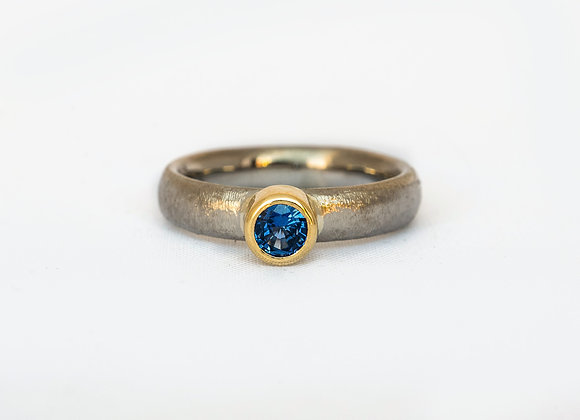 Ben Flynn handmade wedding engagement ring palladium yellow gold and Sapphire