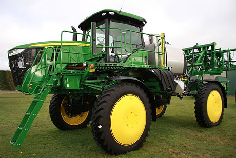 sprayer Hub Covers, wheel shields, customagconcepts, crop dividers, fungicide application,crop damage, ontario