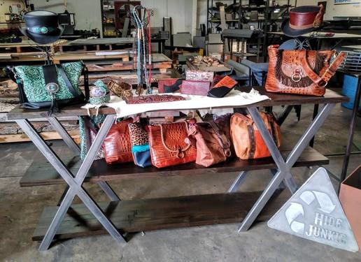 HJ Bag Display Metaltech.jpg
