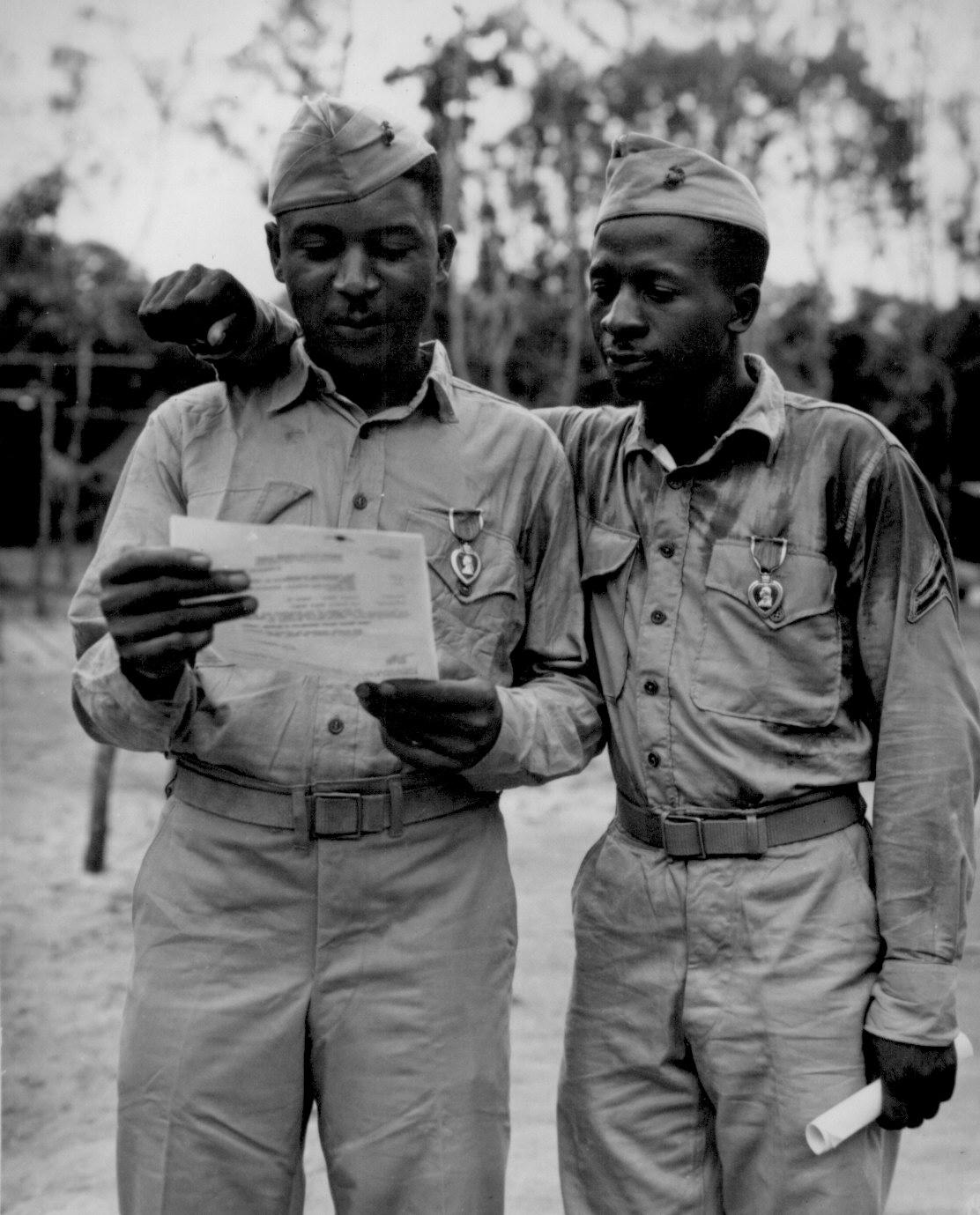 african-americans-wwii-098-Marines.jpg