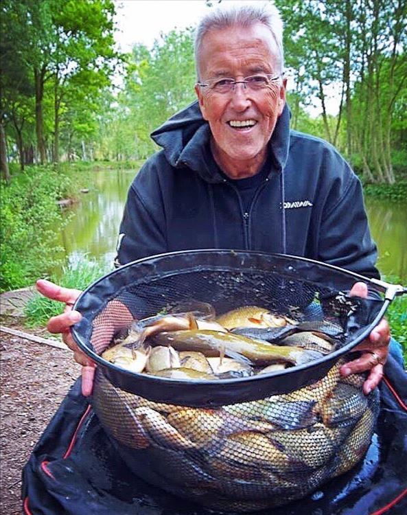 Bob Roberts on Hoskers Crucian fishing