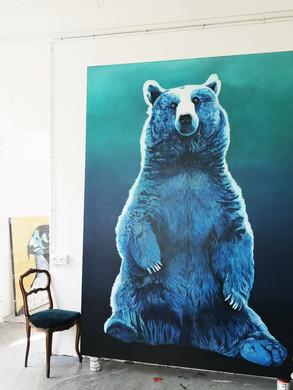 Big Blue Brown Bear à l'atelier