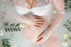 Maternity Session - Milk Bath
