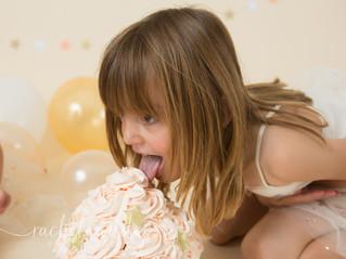 Cake Smash | Ava & Elodie