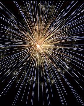 fireworks-102971_1280.jpg