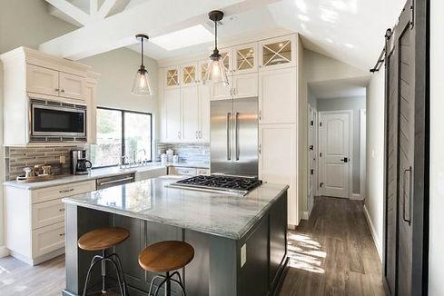 kitchen-cabinets-ca-73-600x400.jpg