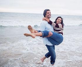 Mann mit seiner Freundin