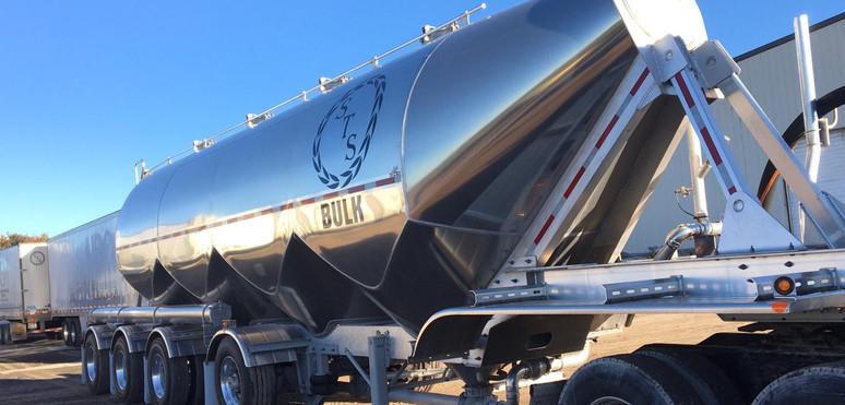 Tremcar Aluminum Dry Bulk Trailer