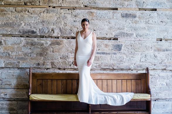 Sleek wedding look
