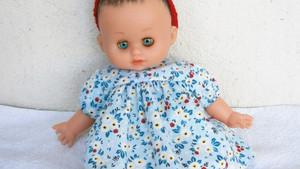 Robe bleue à fleurs pour Petit Câlin