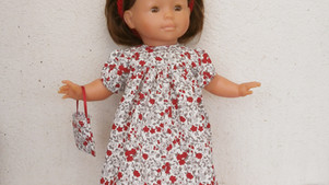 Robe fleurs rouges et grises pour Ma Corolle