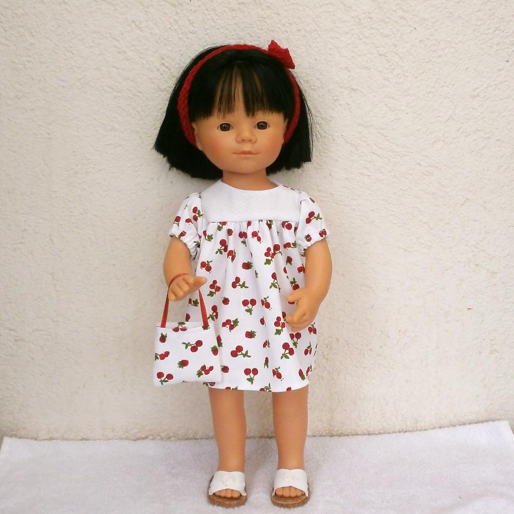 Robe fruits rouges pour poupée Marieta