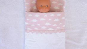 Sac de couchage rose pour mini poupon