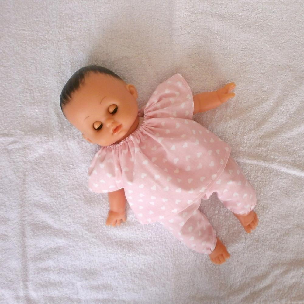 Pyjama rose motif coeurs pour poupon Petitcollin