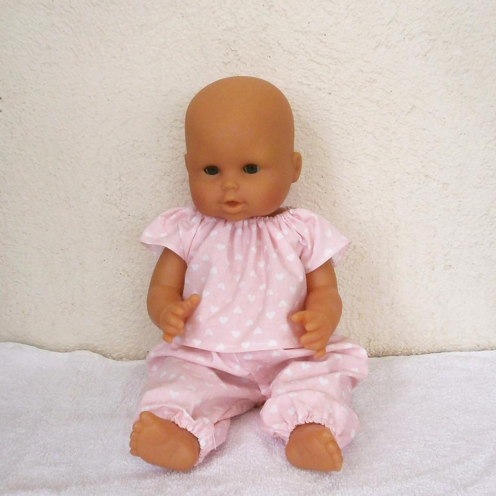 Pyjama rose coeurs pour poupon 36 cm