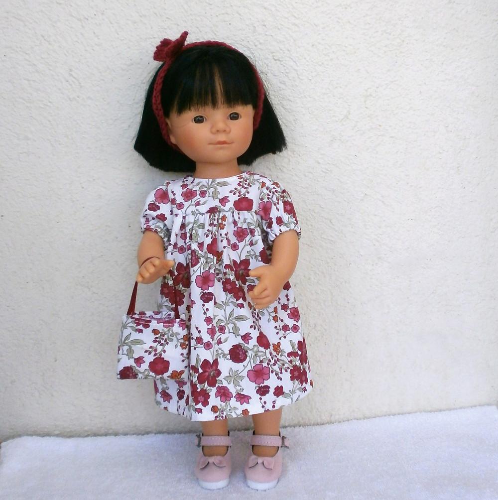 Robe fleurie pour poupée Marietta