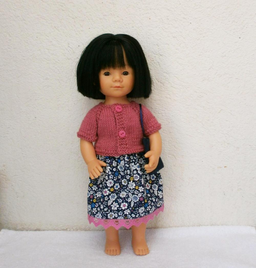 Ensemble bleu marine et rose framboise pour poupée Marieta (35 cm)
